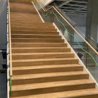 Ikea-laiptai-po-atnaujinimo-parketo-grindu-laiptu-slifavimas-lakavimas-6