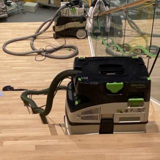 Ikea-laiptu-atnaujinimo-darbai-parketo-grindu-laiptu-slifavimas-lakavimas-1